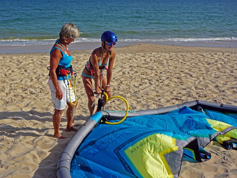 kiteboarding lessons Setting up LEI kite