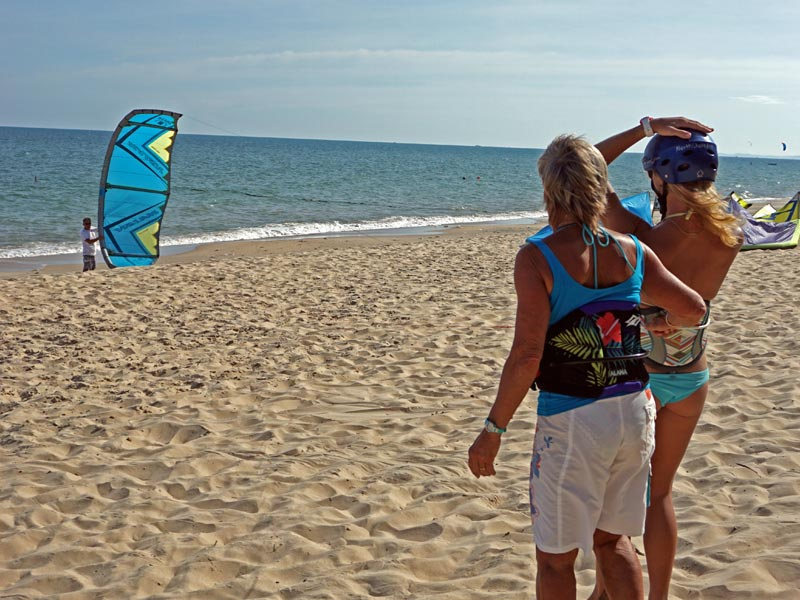 how to safely land LEI kite kiteboarding lessons