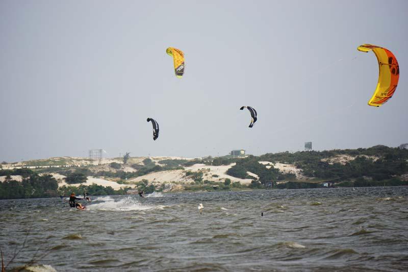 Alwayswindy vietnam kitesurfing tours